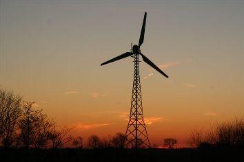 Und dann noch der Sonnenuntergang auf unserer Windradweide...
