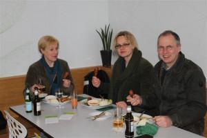 """Karin, Karen und Jan im """"Vegefarm"""""""